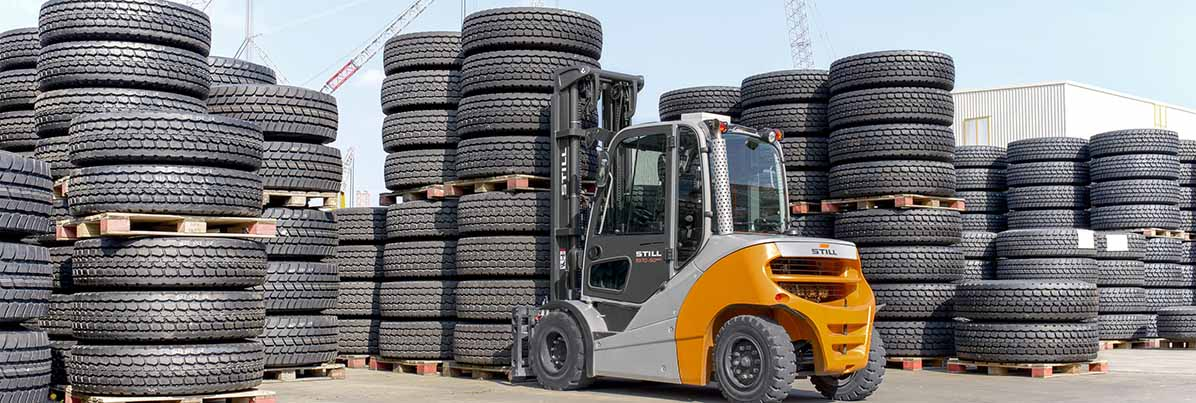 Used forklifts | Plastics and rubber materials industry
